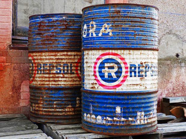 Il crollo del petrolio: cause, andamento e prospettive