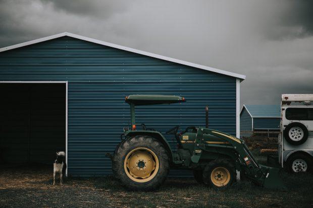 Come scegliere un trattore usato per la propria azienda